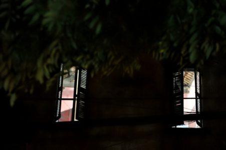 Cửa sổ, nàng và tôi
