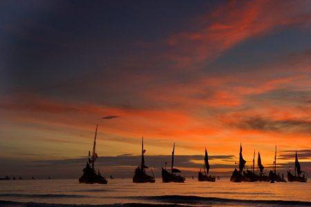 Cảm nhận bài thơ Đoàn thuyền đánh cá của Huy Cận.